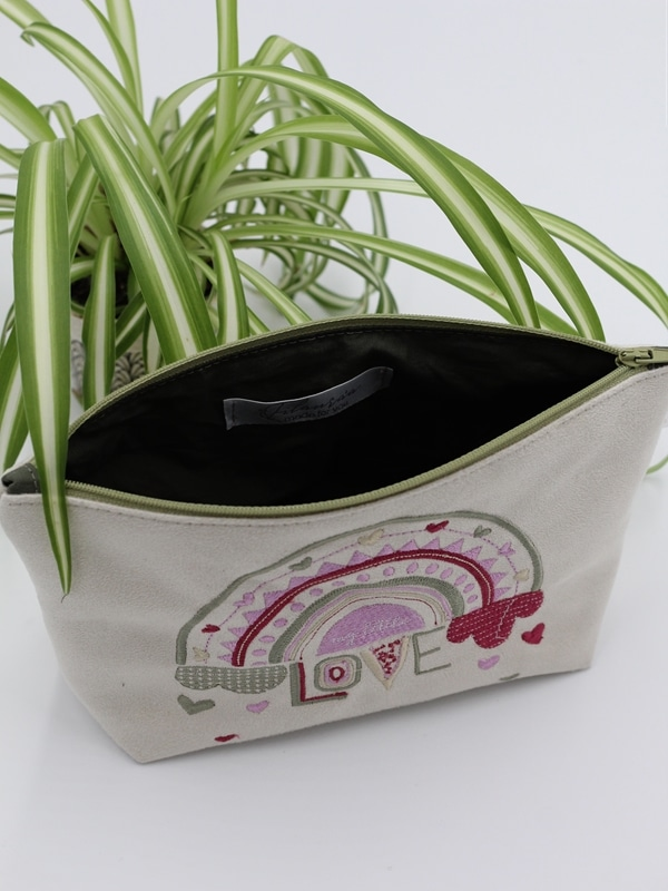 Trousse Brodee My Little Love Rose Interieur