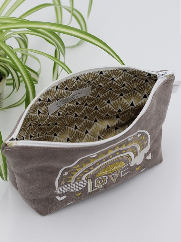 Trousse My Little Love Taupe Ouverte